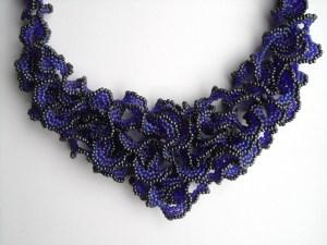 ruffles cobalt transparant matt ab gunmetal metalic detail