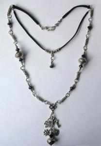 0928 zwart crystal facet tibetaans zilver metallook zwart suede