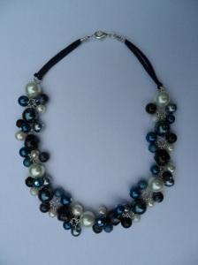 02277 parelketting zwart grijs donkerblauw acryl en glasparel