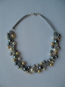 02278 parelketting grijs ivoor champagne acryl en glasparels